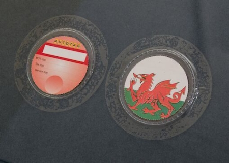 833-01_Wales_with_clear_holder_27sep2015