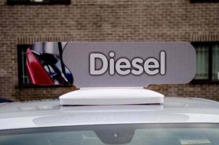 882-00-DIES Crowner_Diesel_on_car